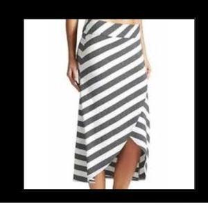 Athleta wrap style skirt